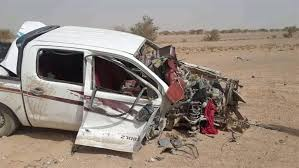 سيارة مدنية تعرضت لانفجار لغم حوثي في وقت سابق في الجوف